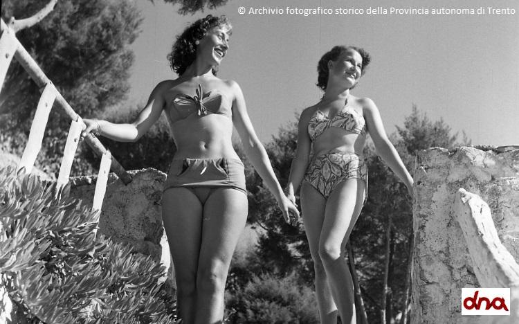 Moda anni '60: arrivano jeans e minigonna