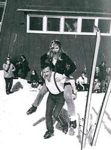 Turisti sulla neve © Archivio Fotografico Storico della Provincia Autonoma di Trento