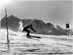 Sciare in montagna © Archivio Fotografico Storico della Provincia Autonoma di Trento