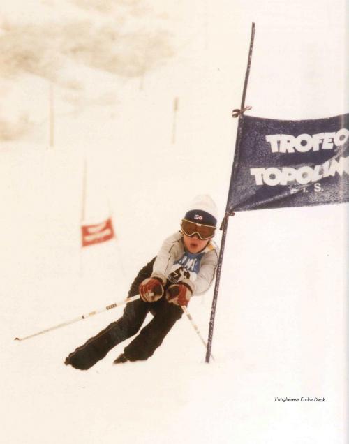 """Trofeo Topolino anni '80. Foto tratta da """"Dal 1958: Trofeo Topolino, sci alpino"""", F. Sandri"""